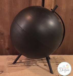 Chalkboard globes just scream vintage classroom! They are so cute on bookshelves!